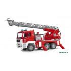 Ugniagesių mašina MAN su kopėčiomis ir garsiniu signalu